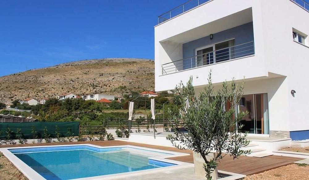 Region Trogir Villa Mit Swimmingpool Und Dachterrasse