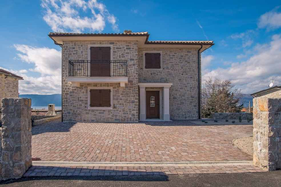 Haus Mit Steinfassade luxuriöses neues haus mit steinfassade und pool auf krk