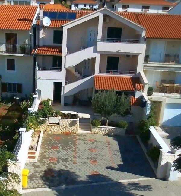 Rogoznica Dalmatien Neubau mit Swimmingpool
