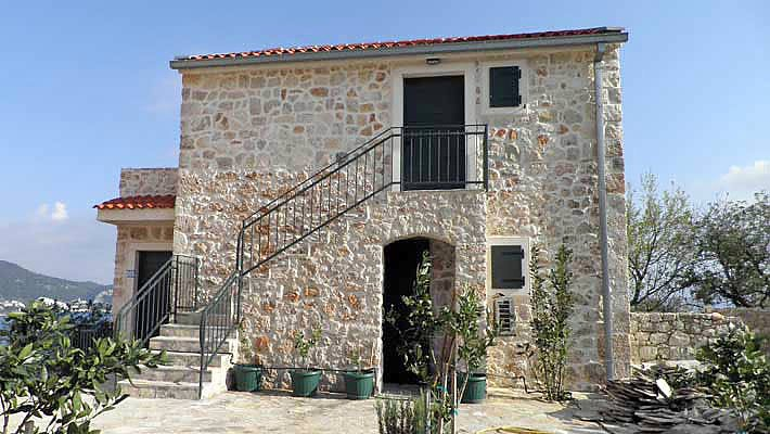 Makarska riviera dalmatien traditionelles steinhaus for Traditionelles haus