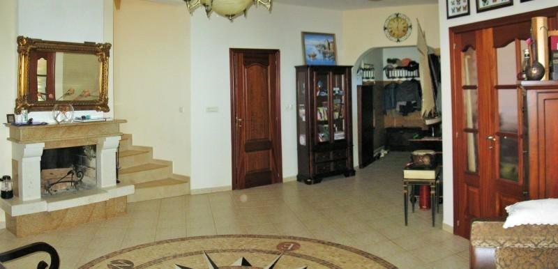 montenegro bar luxusvilla am meer f r anspruchsvolle. Black Bedroom Furniture Sets. Home Design Ideas