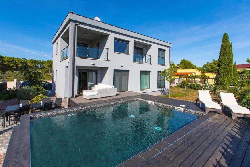 Istrien Medulin Haus mit Pool und modernem Interieur