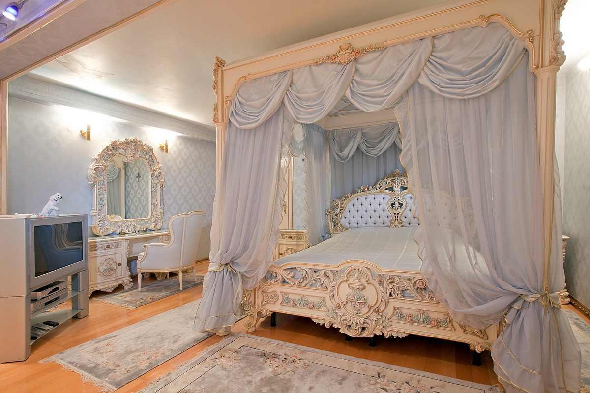 luxus schlafzimmer mit himmelbett. Black Bedroom Furniture Sets. Home Design Ideas