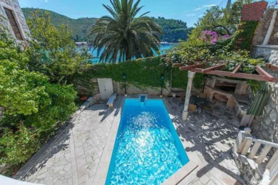 dubrovnik dalmatien villa mit pool und bootsanleger. Black Bedroom Furniture Sets. Home Design Ideas