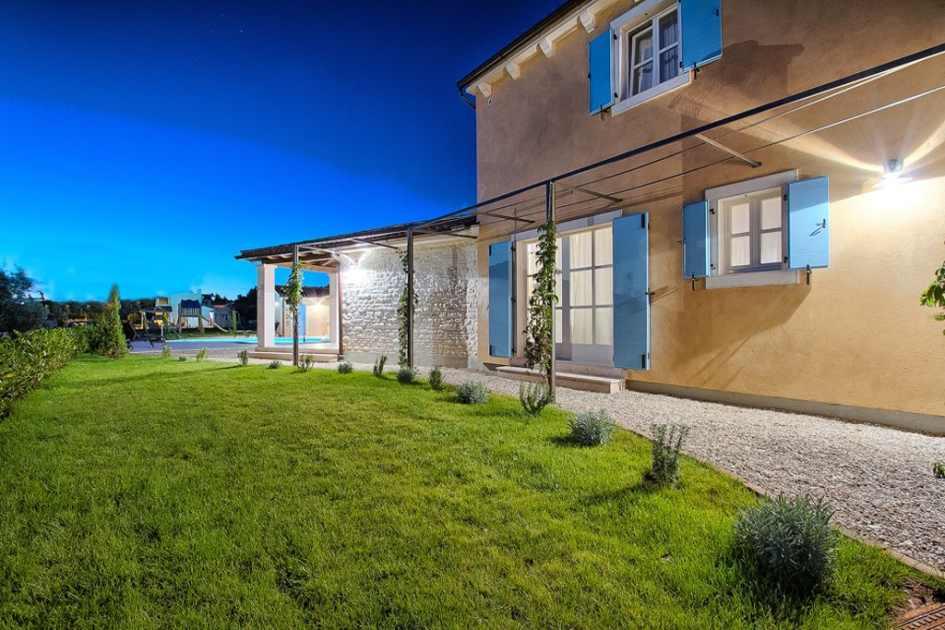 region fazana istrien villa im mediterranen stil. Black Bedroom Furniture Sets. Home Design Ideas