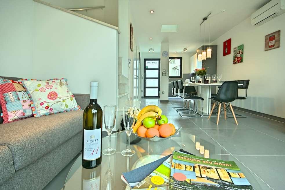 region porec istrien reihenhaus in meern he. Black Bedroom Furniture Sets. Home Design Ideas