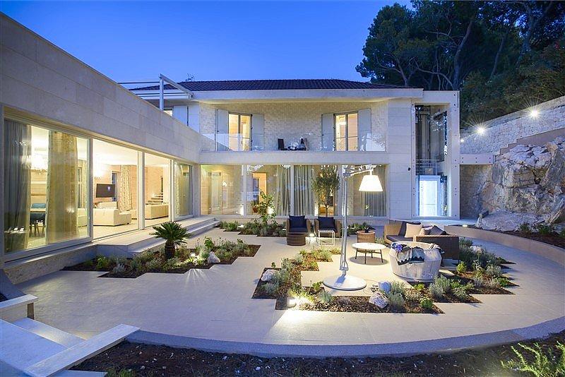Moderne luxusvilla am meer  Insel Brac, Dalmatien: Villa im modernen Stil am Meer