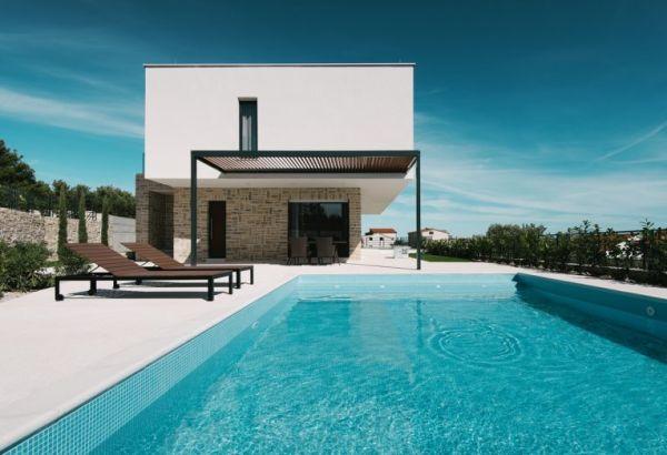 Region vodice dalmatien moderne neubau villen mit pool - Modernes vogelhaus ...