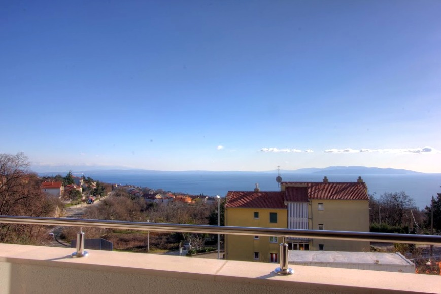 Meerblick vom Balkon des Appartements in Rijeka