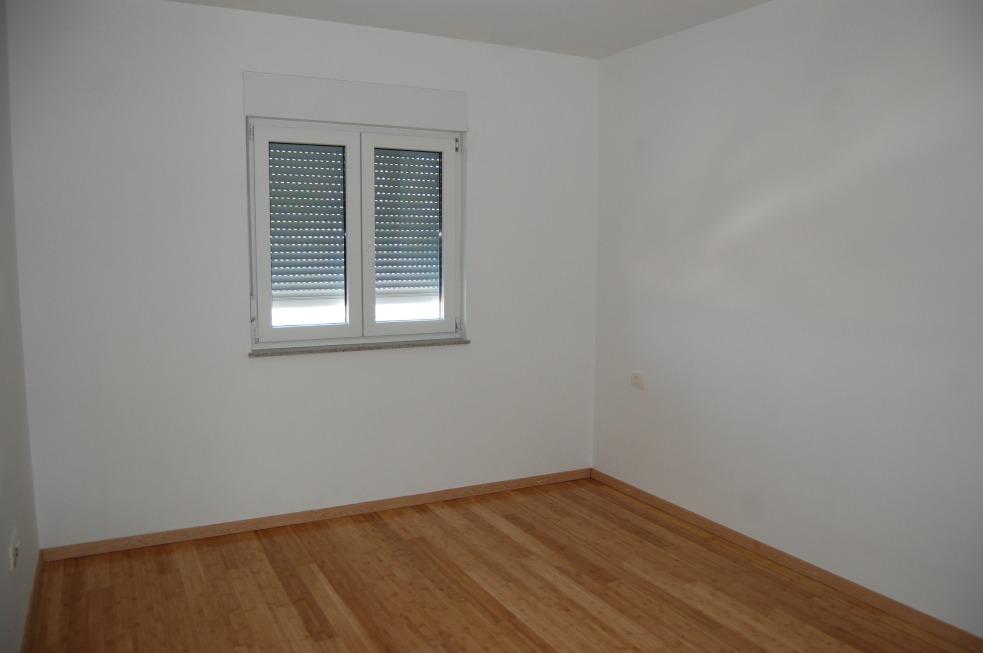 makarska dalmatien neue wohnung mit terrasse. Black Bedroom Furniture Sets. Home Design Ideas