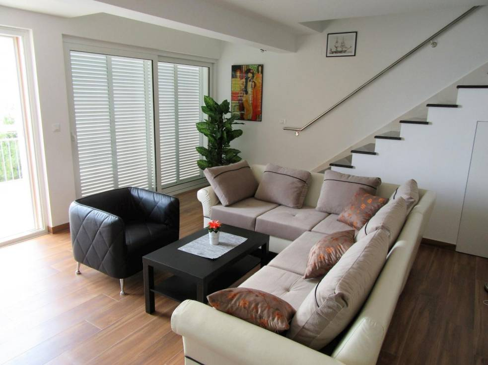 makarska neue penthouse maisonette wohnung am meer. Black Bedroom Furniture Sets. Home Design Ideas