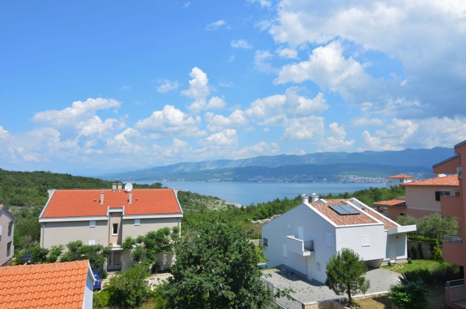 region baska insel krk ferienwohnung mit balkon. Black Bedroom Furniture Sets. Home Design Ideas