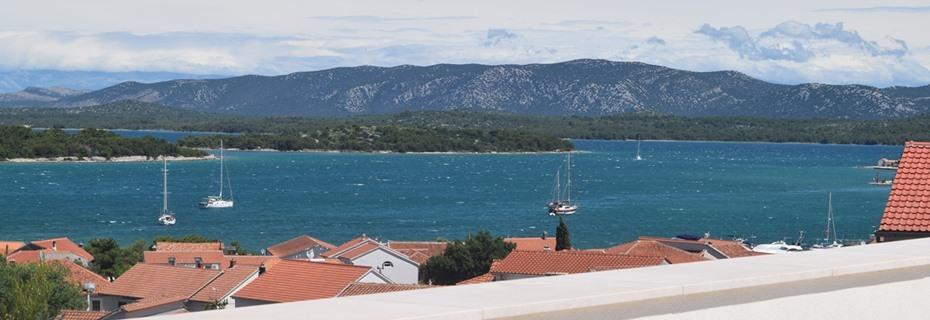 immobilien kroatien nur mit meerblick panorama. Black Bedroom Furniture Sets. Home Design Ideas