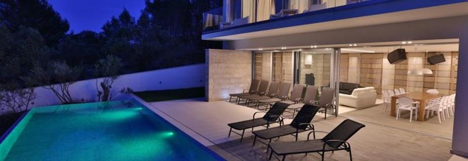 Moderne luxusvilla am meer  Immobilien Insel Brac - Häuser, Villen, Wohnungen